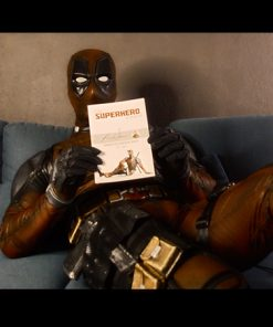 Deadpool mit Superhero Workout Buch